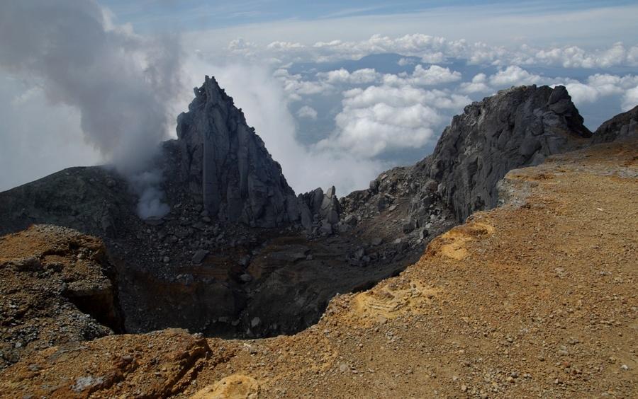 vulcano sinabung,sumatra,foto di viaggi
