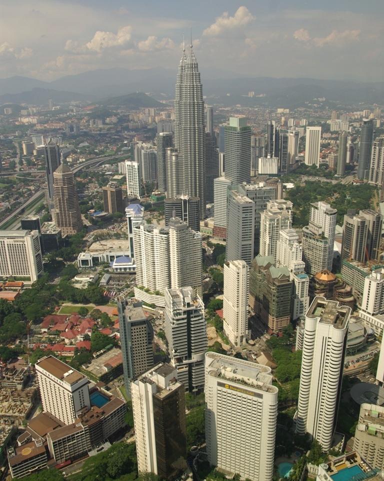 petronas towers,kuala lumpur,malesia